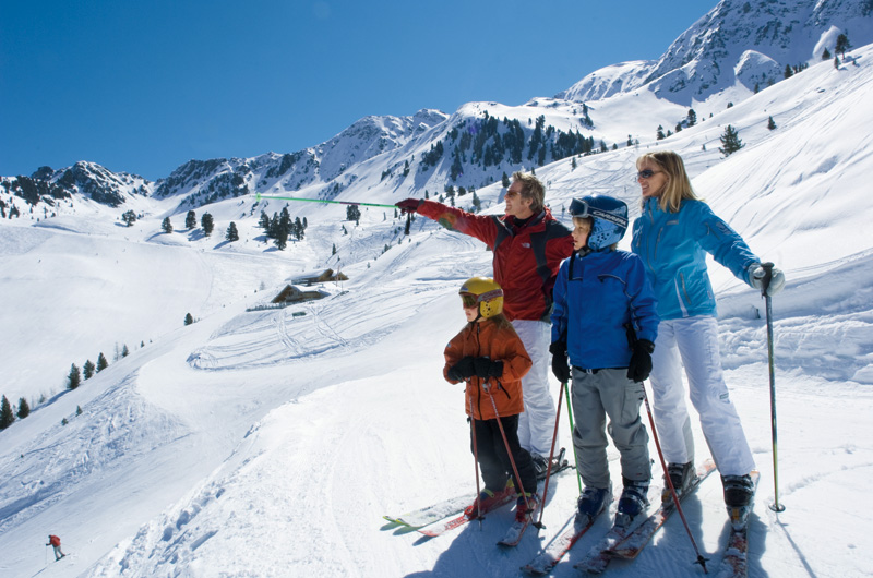 http://sttravels.ru/images/strana/avstria/familie_skifahren_oetz.jpg